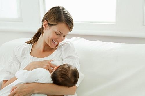Mẹ bầu nên ăn gì để nhiều sữa cho con bú mà không sợ tăng cân