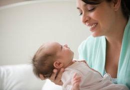 Trẻ sơ sinh tháng đầu
