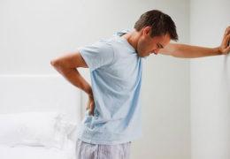 Nguyên nhân nào gây ra bệnh tiểu buốt ở nam giới