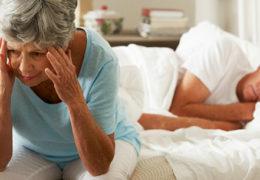 Bệnh mất ngủ ở người cao tuổi cần khắc phục ra sao?