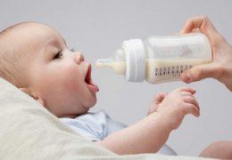 Cách phá sữa cho trẻ sơ sinh đúng cách và đảm bảo an toàn các mẹ cần chú ý