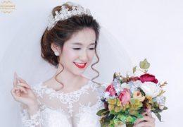 Học cách trang điểm cô dâu đẹp trong ngày cưới