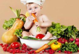 Chế độ dinh dưỡng cho trẻ 1 tuổi ăn ngoan chóng lớn