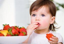 Chế độ dinh dưỡng cho bé 3 tuổi mẹ cần biết