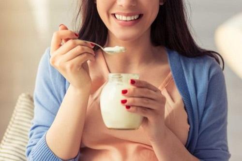 Sữa chua tốt cho phụ nữ sau sinh