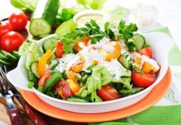 Salad món ăn đẹp từ bên ngoài, khỏe cả bên trong các mẹ không nên bỏ qua