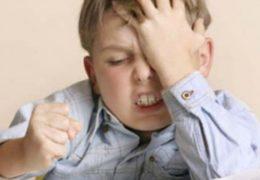 Trẻ chậm phát triển trí tuệ, cha mẹ nên làm gì?