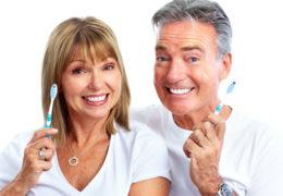 Các bệnh răng miệng ở người cao tuổi và cách phòng bệnh hiệu quả