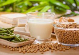 Bệnh thái hóa cột sống nên ăn gì và không nên ăn gì?