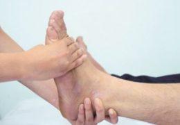 Nguyên nhân nào gây ra bệnh phù nề ở người cao tuổi?