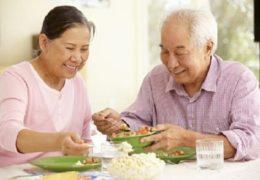 5 lưu ý trong chế độ ăn của người cao