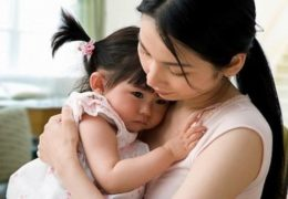 Dấu hiệu bệnh tự kỷ ở trẻ qua từng giai đoạn cha mẹ nên biết