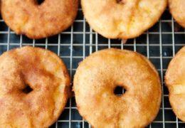Cách làm bánh táo chiên giòn thơm ngon hấp dẫn
