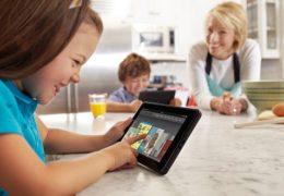 Đừng cho trẻ tiếp xúc với công nghệ quá sớm