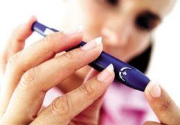 Cách dùng lá sầu đâu trị tiểu đường