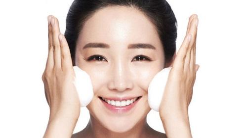 Vệ sinh da mặt để làm sạch mụn cám