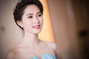 Cân bằng chế độ dinh dưỡng mỗi ngày là bí quyết làm đẹp của Hoa hậu Việt Nam 2012