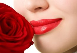 Phun xăm môi hiện đang là lựa chọn của nhiều chị em để có được đôi môi đẹp