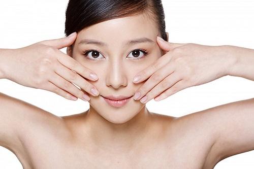 Massage da mặt để chăm sóc da