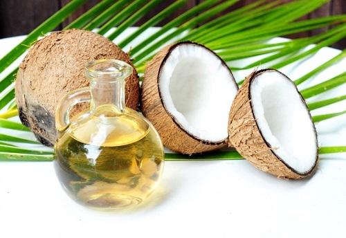 Tinh dầu dừa giúp chăm sóc tóc