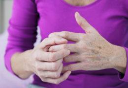 Điều trị bệnh viêm khớp trước khi trở lên trầm trọng